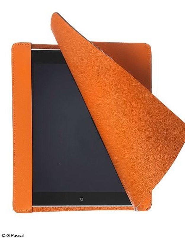 Mode guide shopping tendance look high tech pochette ipad hermes