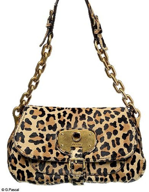 Mode guide shopping tendance look leopard sac prada