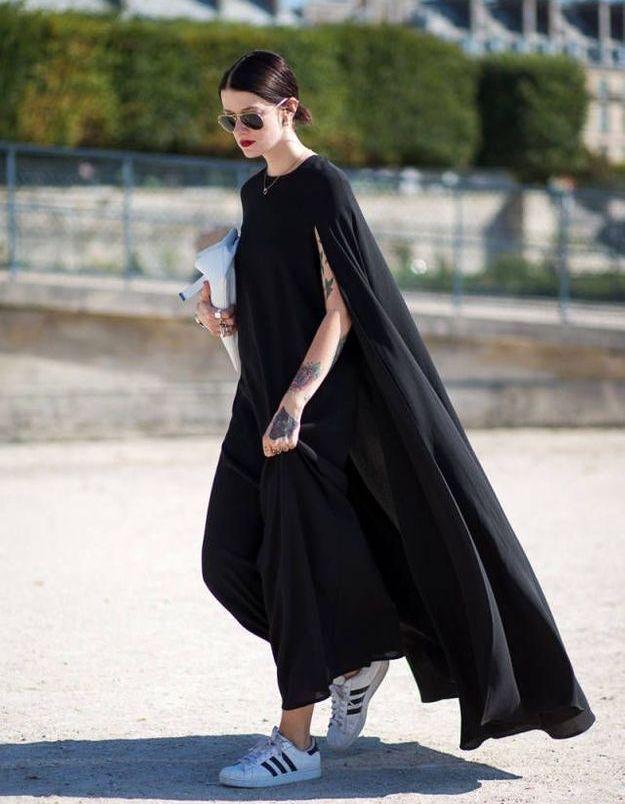 Des Superstar avec une maxi robe