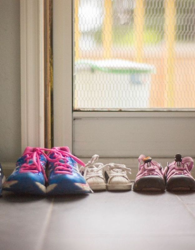 Nos chaussures peuvent-elles transmettre le coronavirus ?