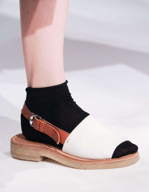Les socquettes dans les sandales de Margaret Howell