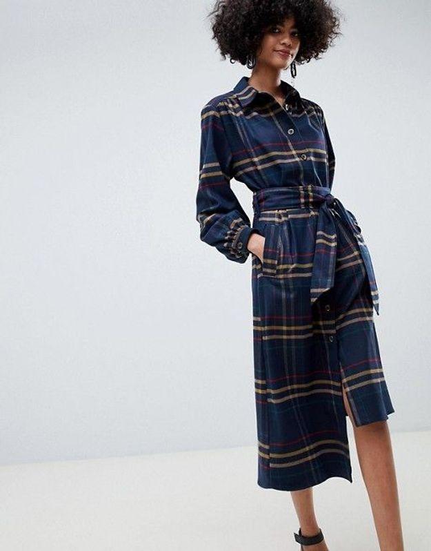 Une robe à carreaux