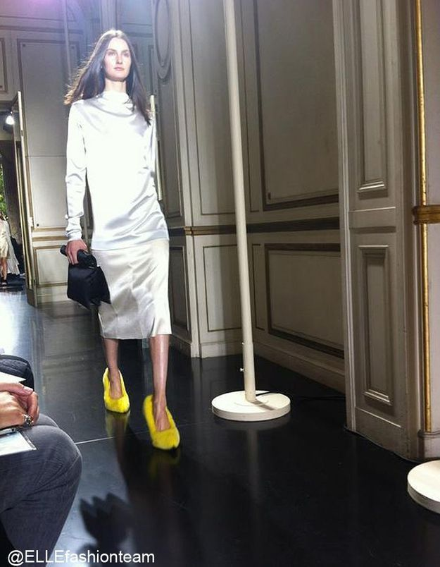 Défilé Céline : prêt-à-porter été 2013 escarpins jaunes