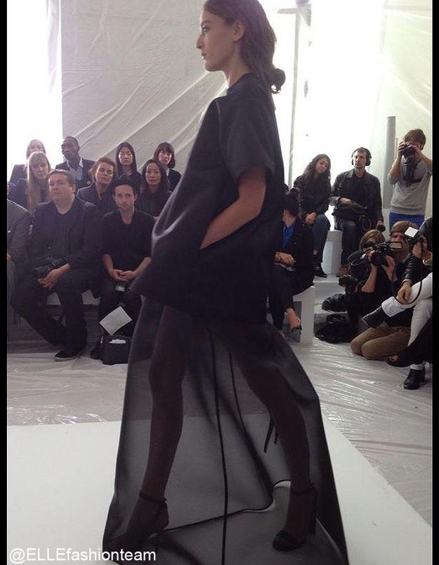 Défilé Maison Martin Margiela : prêt-à-porter été 2013 robe noire