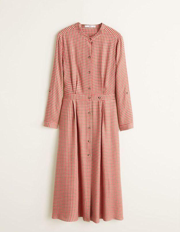 Une robe boutonnée