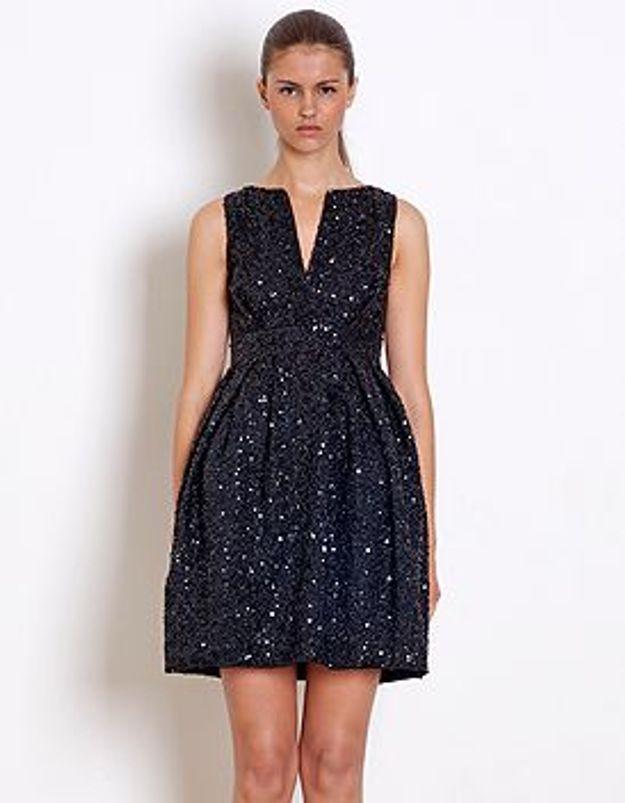d182fddf2b1 Tenue de fête   la petite robe noire se met en quatre - Elle