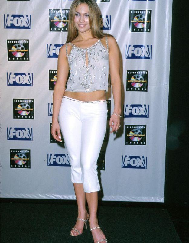 J.Lo, avec un pantacourt strech moulant