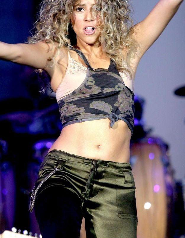 Shakira et sa tenue militaire