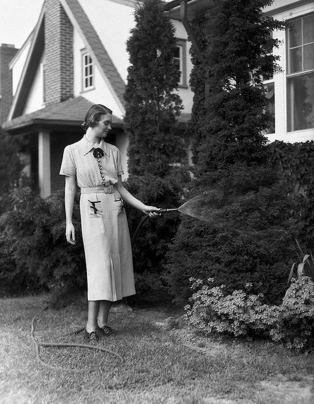 Mode années 30 robe boutonnée