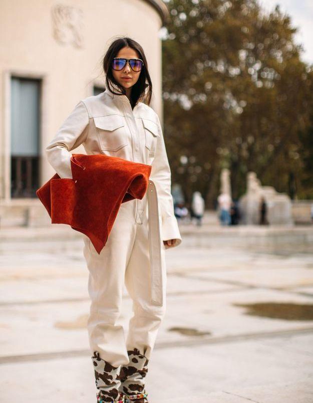 Le combipantalon en jean blanc