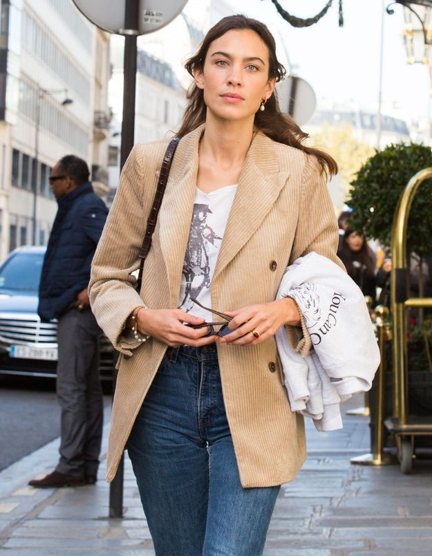 Alexa Chung : son look à moins de 100 € pour la Fashion Week parisienne