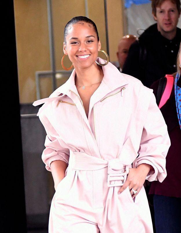 Alicia Keys confirme la tendance manteau de l'hiver