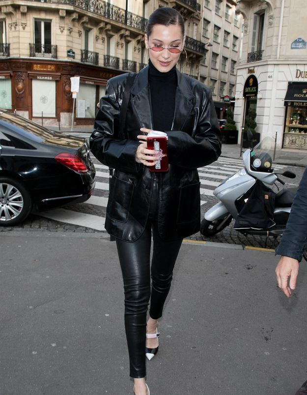 Comment porter un blouson en cuir noir