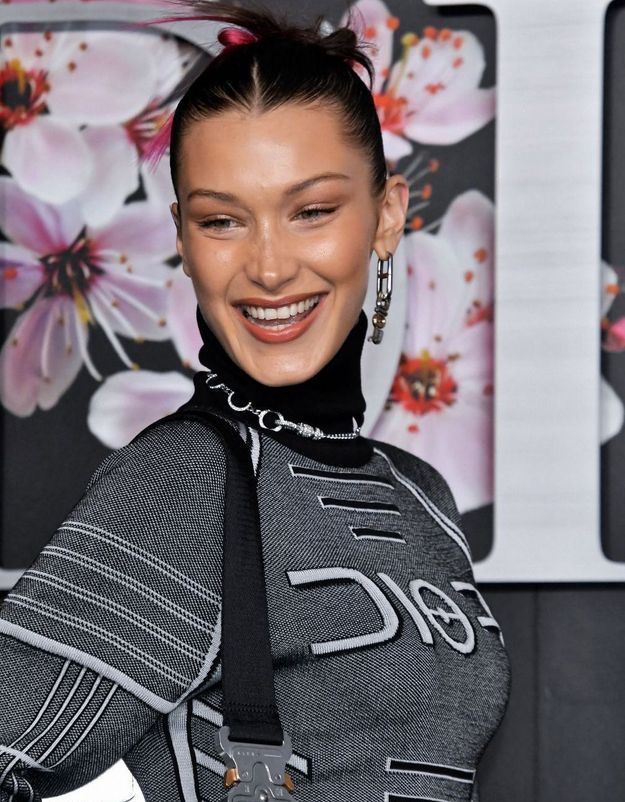 Bella Hadid : on opte pour sa façon de porter le total look jean
