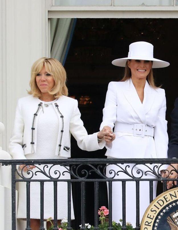 Brigitte et Melania, main dans la main