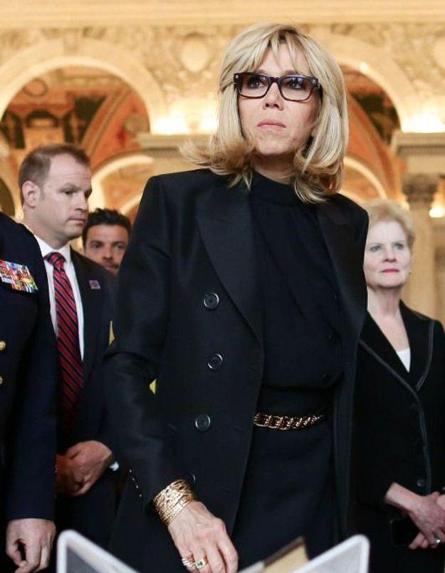 Brigitte Macron chic en total look noir
