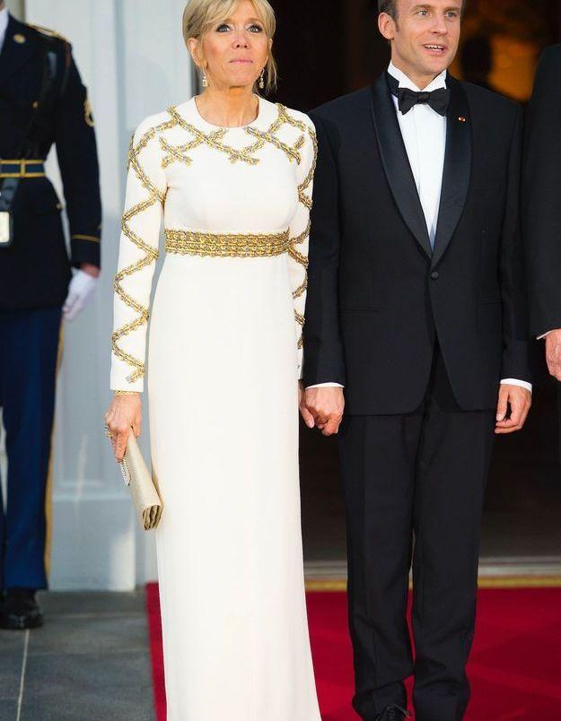 Brigitte Macron sublime en robe longue Vuitton pour le diner à la Maison Blanche