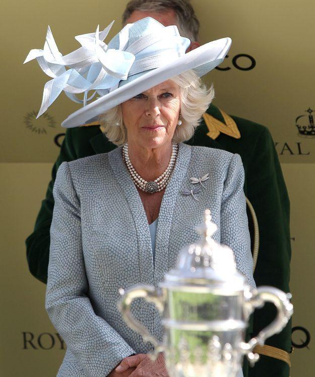 Camilla et et ses bijoux en perles en 2014 lors du Royal Ascot Meeting