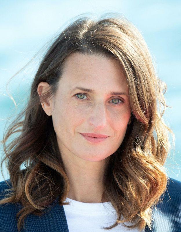 Camille Cottin : son jean baggy est la pièce la plus cool de l'été