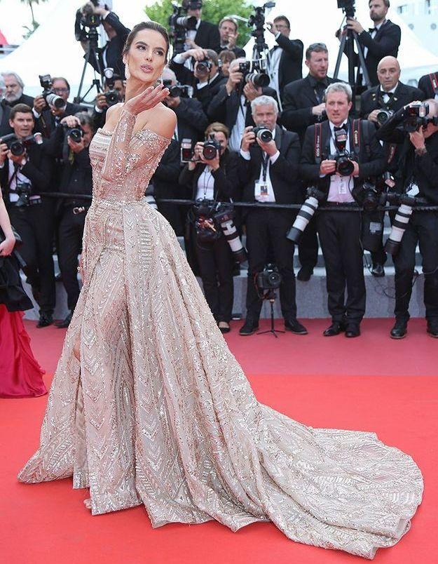 La robe d'Alessandra Ambrosio