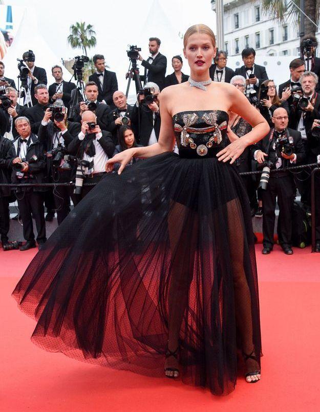 La robe Elie Saab de Tonie Garrn