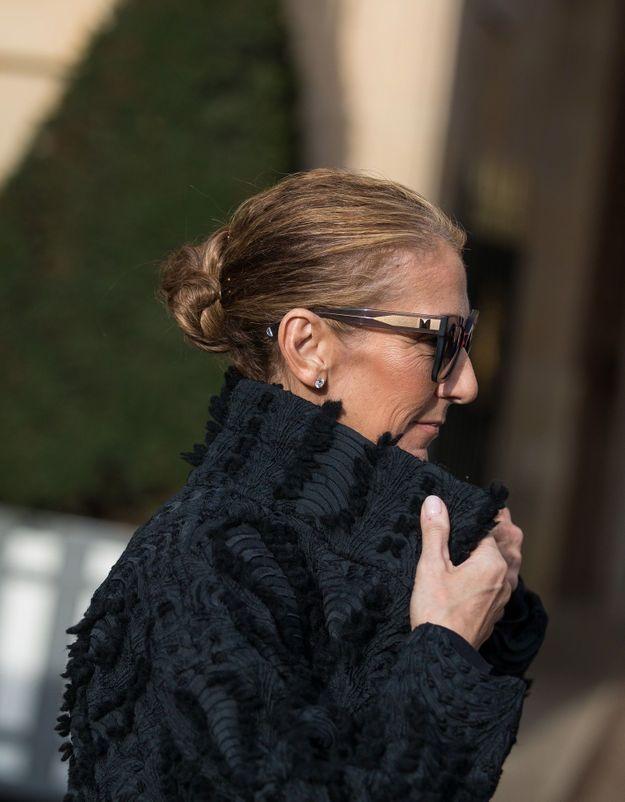 Céline Dion : méconnaissable, elle adopte un total look noir idéal pour l'hiver
