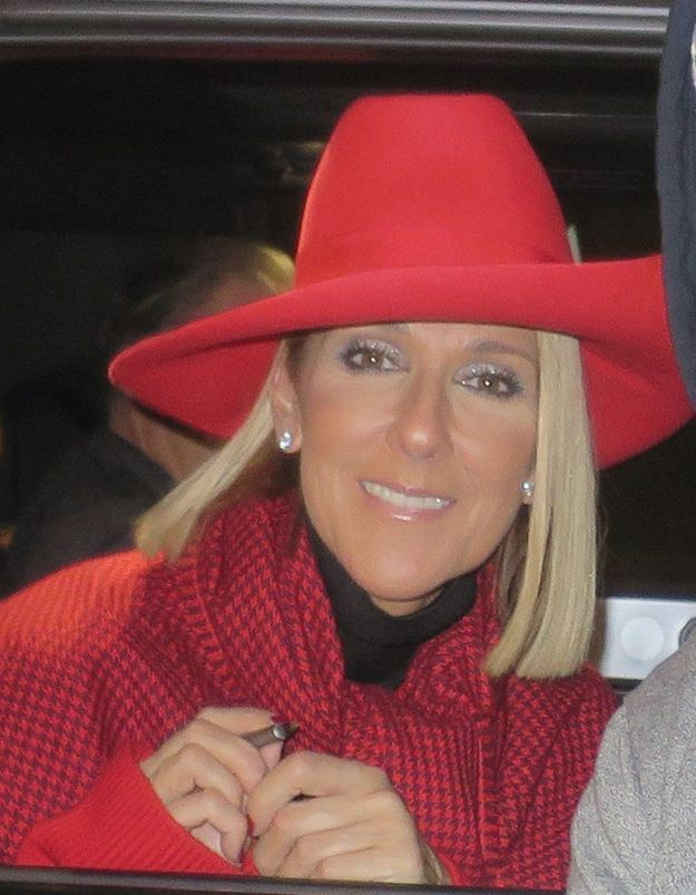Céline Dion: on valide son look de working-girl