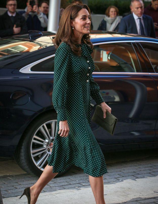Comment font Kate Middleton et Meghan Markle pour porter des talons toute la journée ?