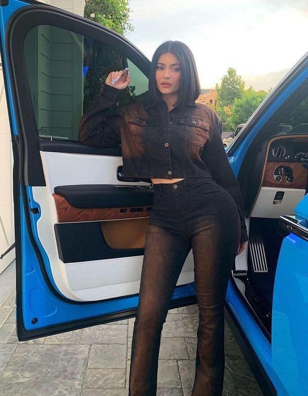 Kylie Jenner : elle repasse au carré court, sa coupe signature
