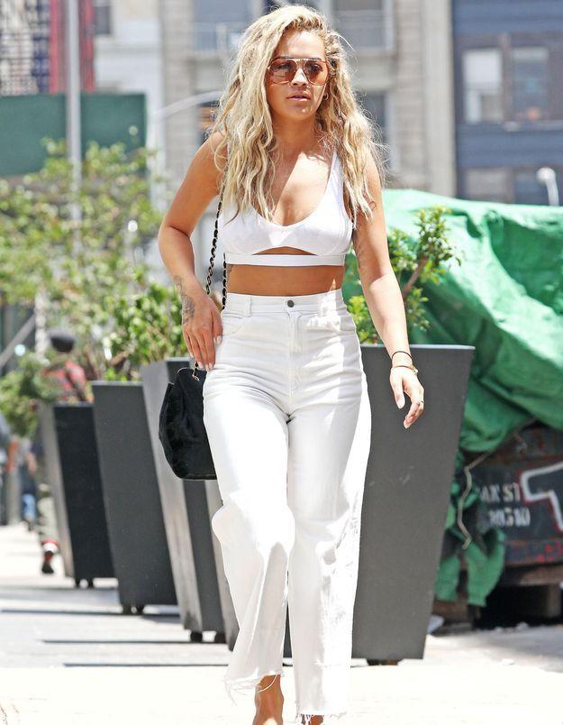 Pourquoi elle est bien ? La leçon de mode d'été de Rita Ora