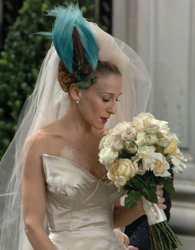 Sex And The City : les photos de robe de mariée de Carrie Bradshaw jamais dévoilées, enfin publiées !