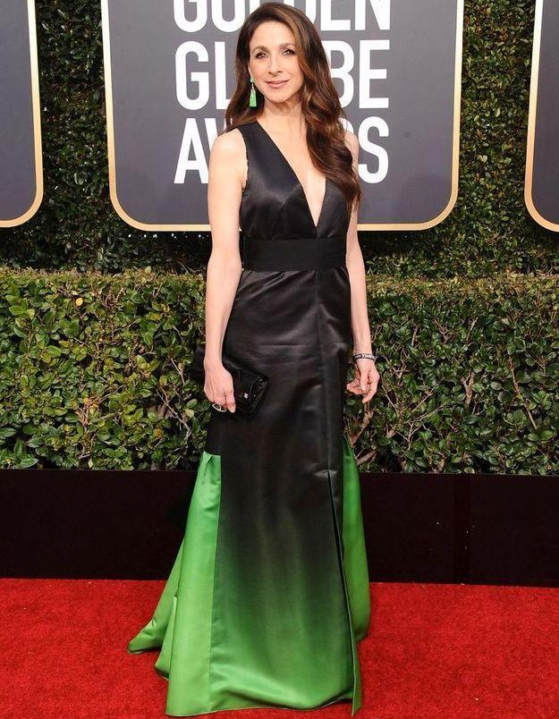 Marin Hinkle en robe décolletée verte
