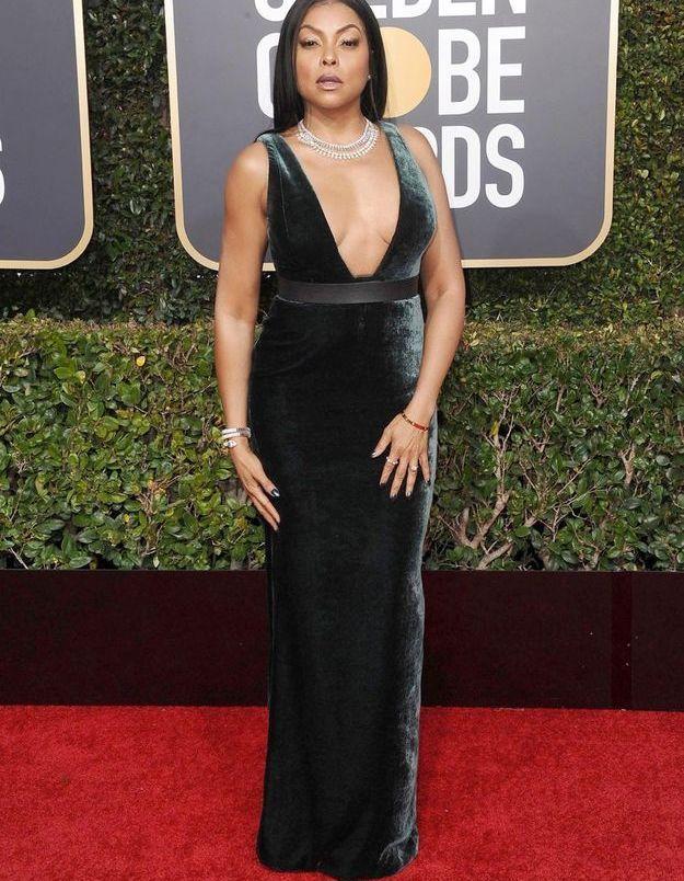 Taraji P. Henson en robe décolletée en velours