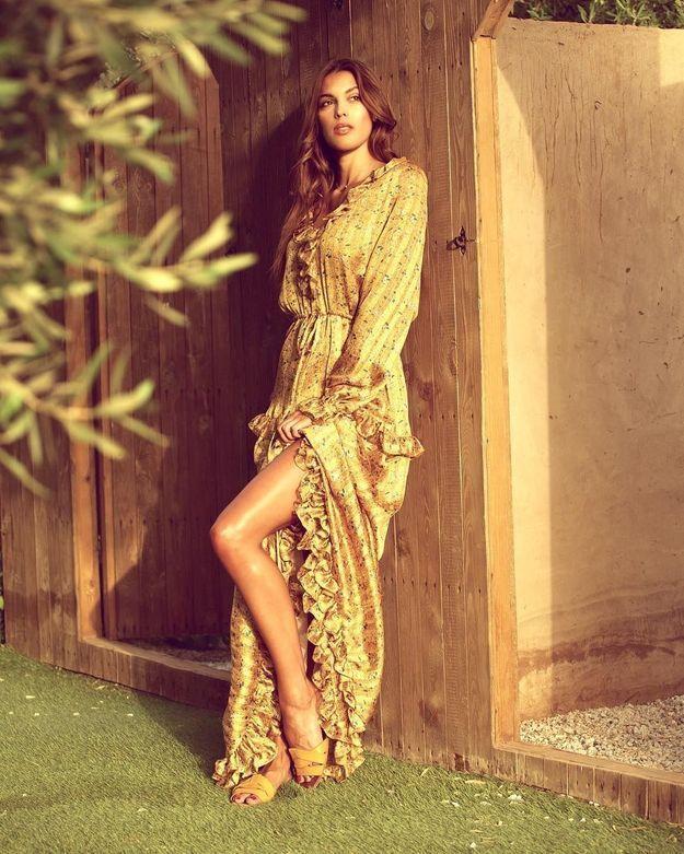 La robe jaune d'Iris Mittenaere