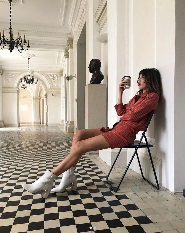 Les bottines retro de Jeanne Damas