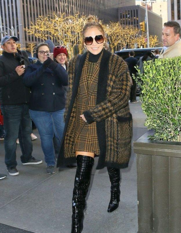 Jennifer Lopez : son total look en layering est canon