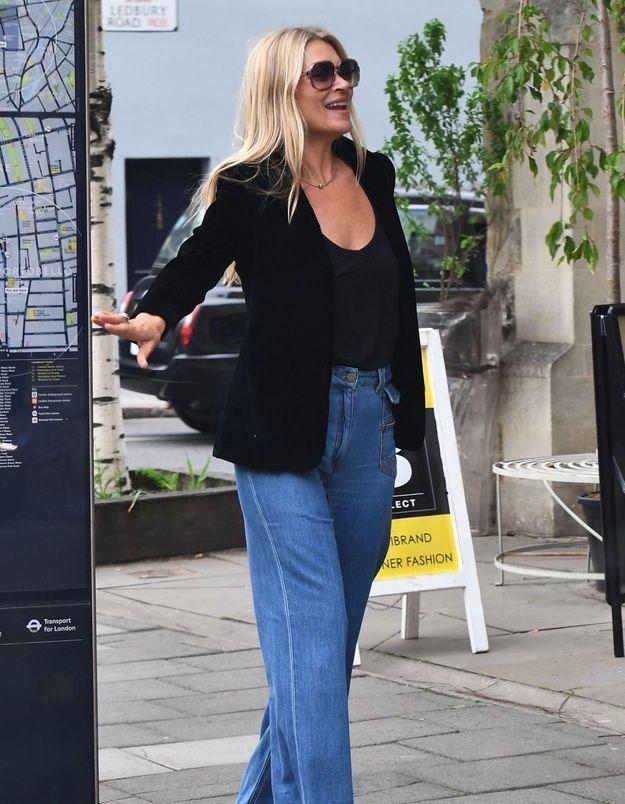 Kate Moss ne quitte plus ce jean iconique