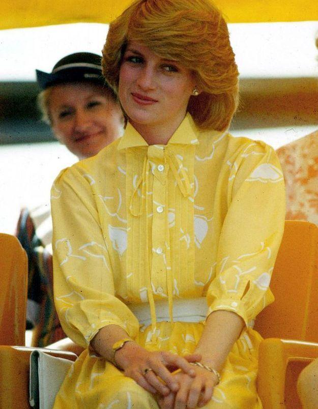 Une robe jaune