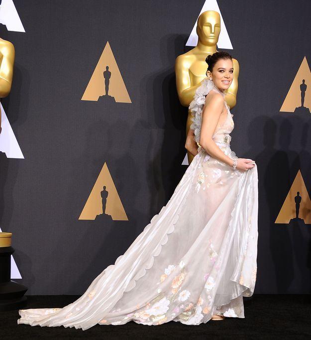 Hailee Steinfeld aux Oscars 2017