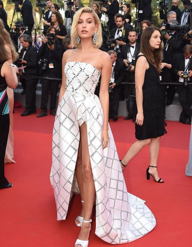 Hailey Baldwin au Festival de Cannes 2017