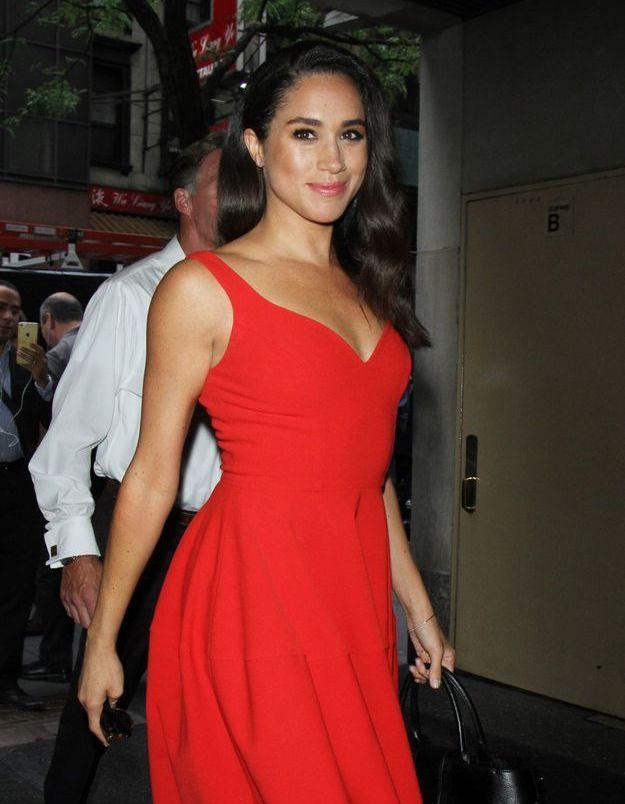 En 2016 elle arbore une robe rouge passion qui lui va à merveille.