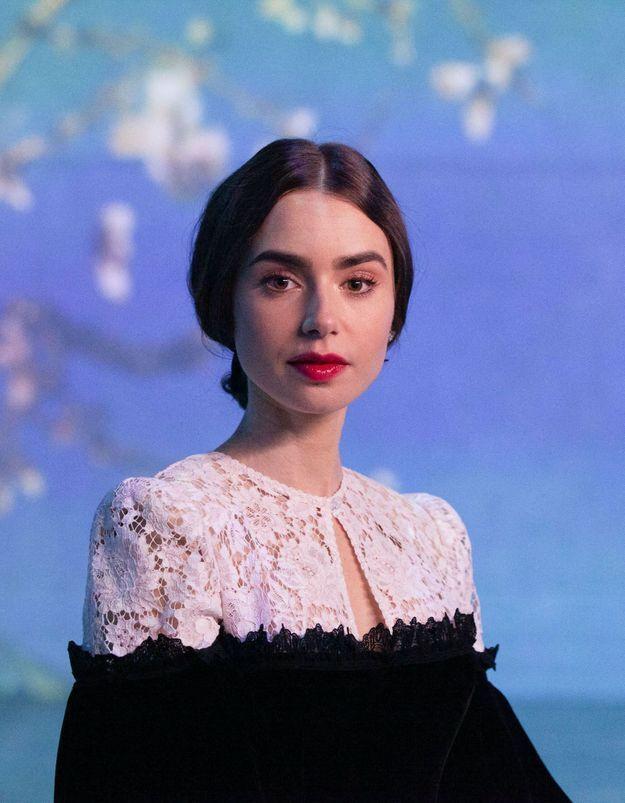 Lily Collins (Emily in Paris) : sa robe romantique Mango coûte moins de 26 euros