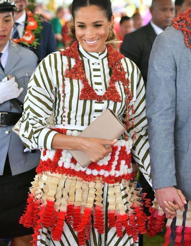 Mehgan Markle couverte de fleurs dans les îles Tonga