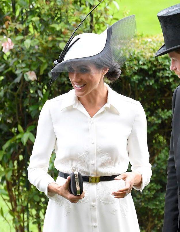 La robe chemise blanche de Meghan Markle