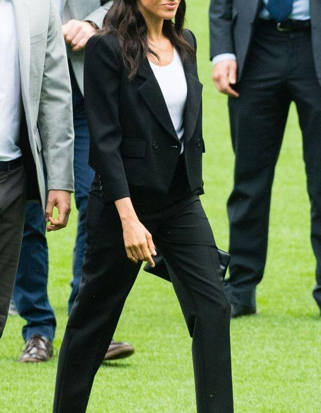 Le costume noir de Meghan Markle