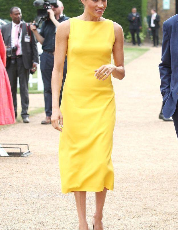 Meghan Markle en robe jaune tournesol
