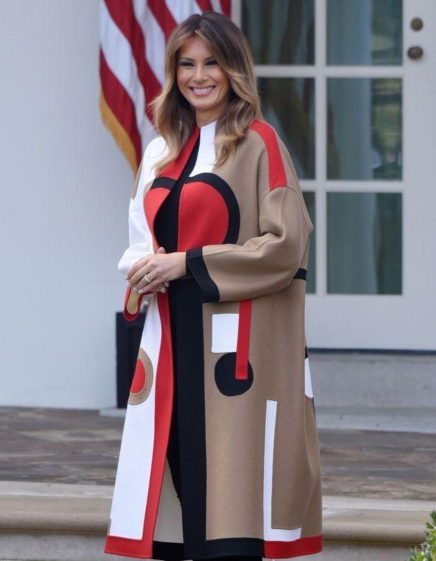 Melania Trump : le prix exorbitant de son manteau fait scandale