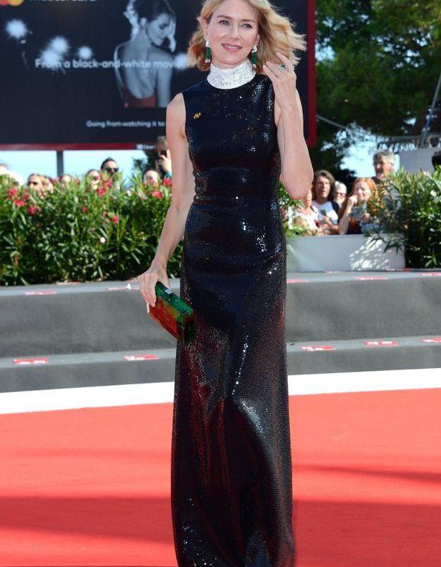 Naomi Watts sur le tapis rouge