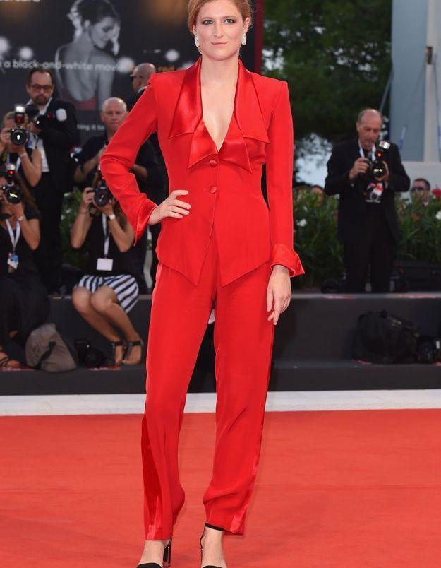 Lola Klamrot sur le tapis rouge