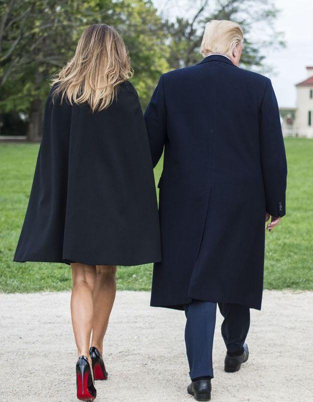 La tenue de Melania Trump toute en légereté.